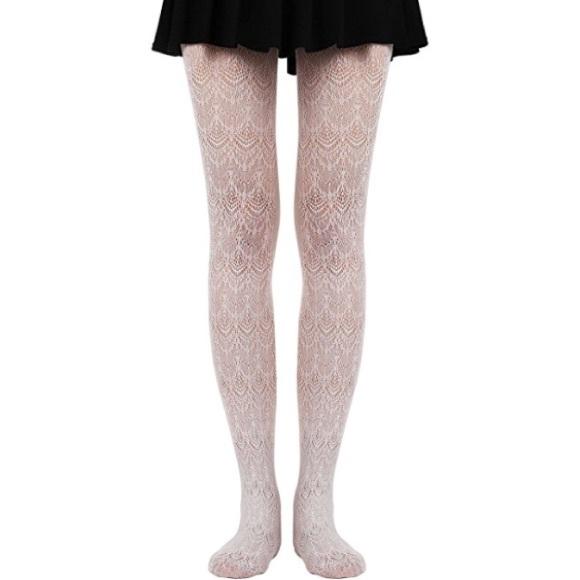 10522e526 NWT Women s White Lace tights
